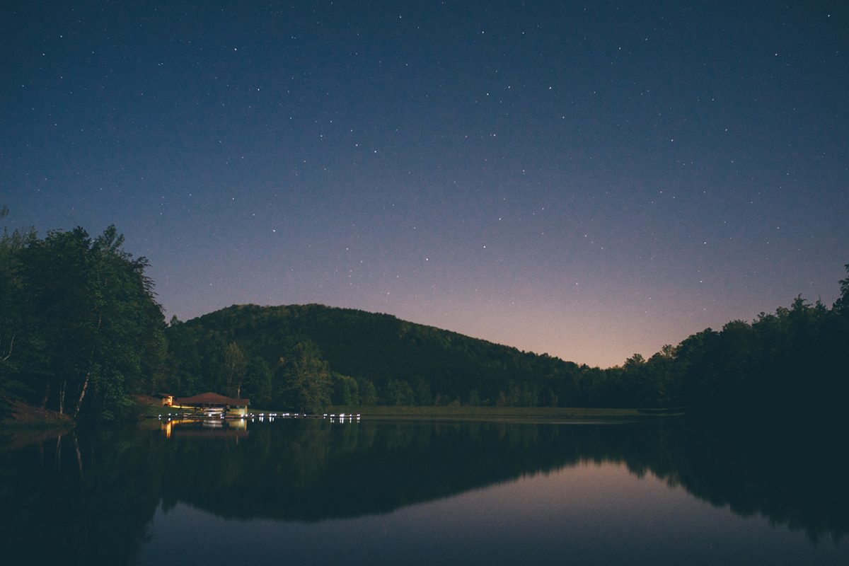 Stary night over the lake at Golden Valley.