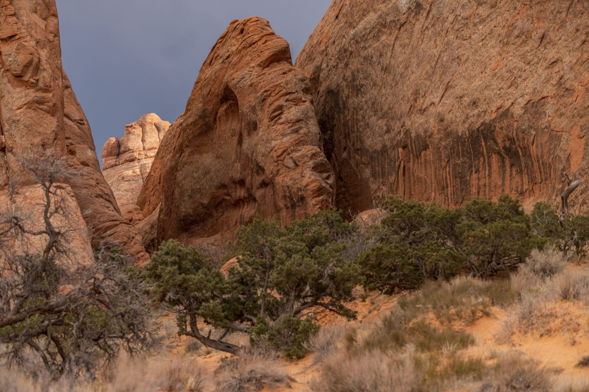 An example of a fin formation along the Devils Garden Trail in Arches National Park in Moab, Utah.