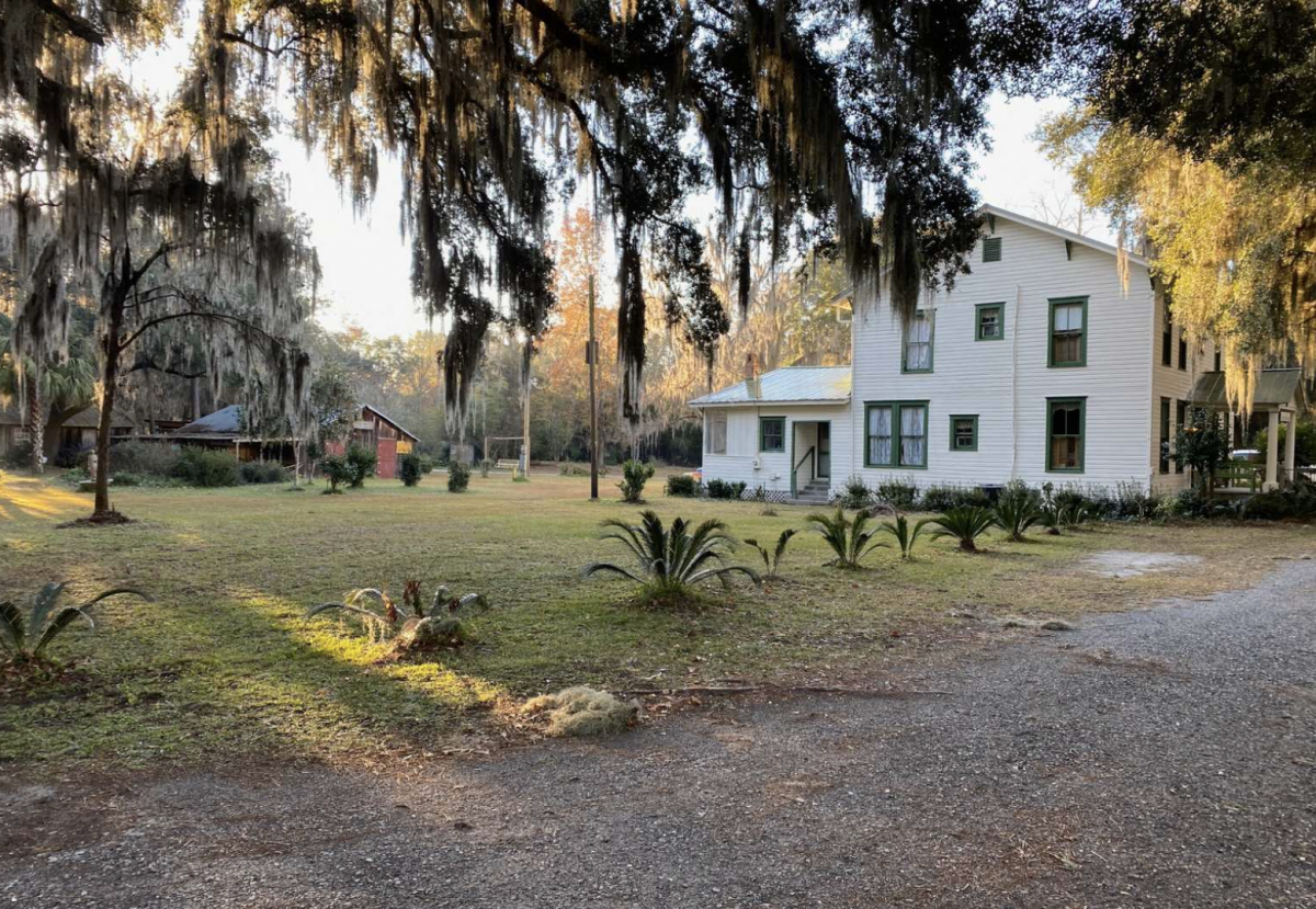 Main building at McIntosh Manor in Townsend GA