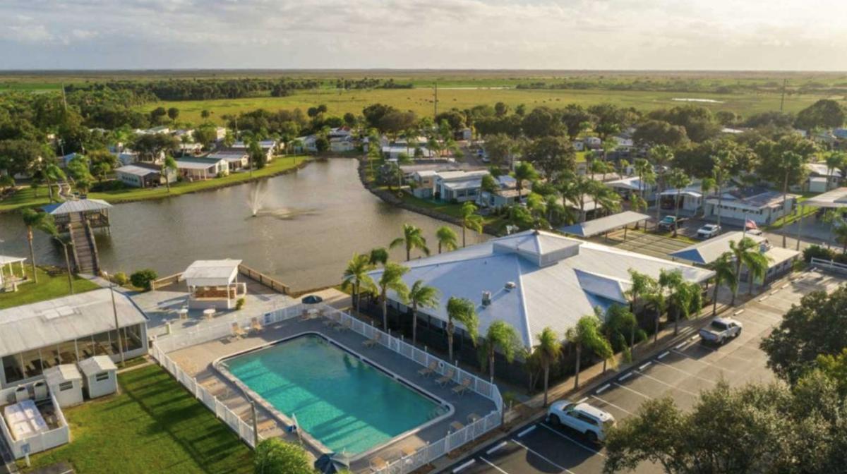 North Lake Estates RV Resort (55+) in Moore Haven, Florida