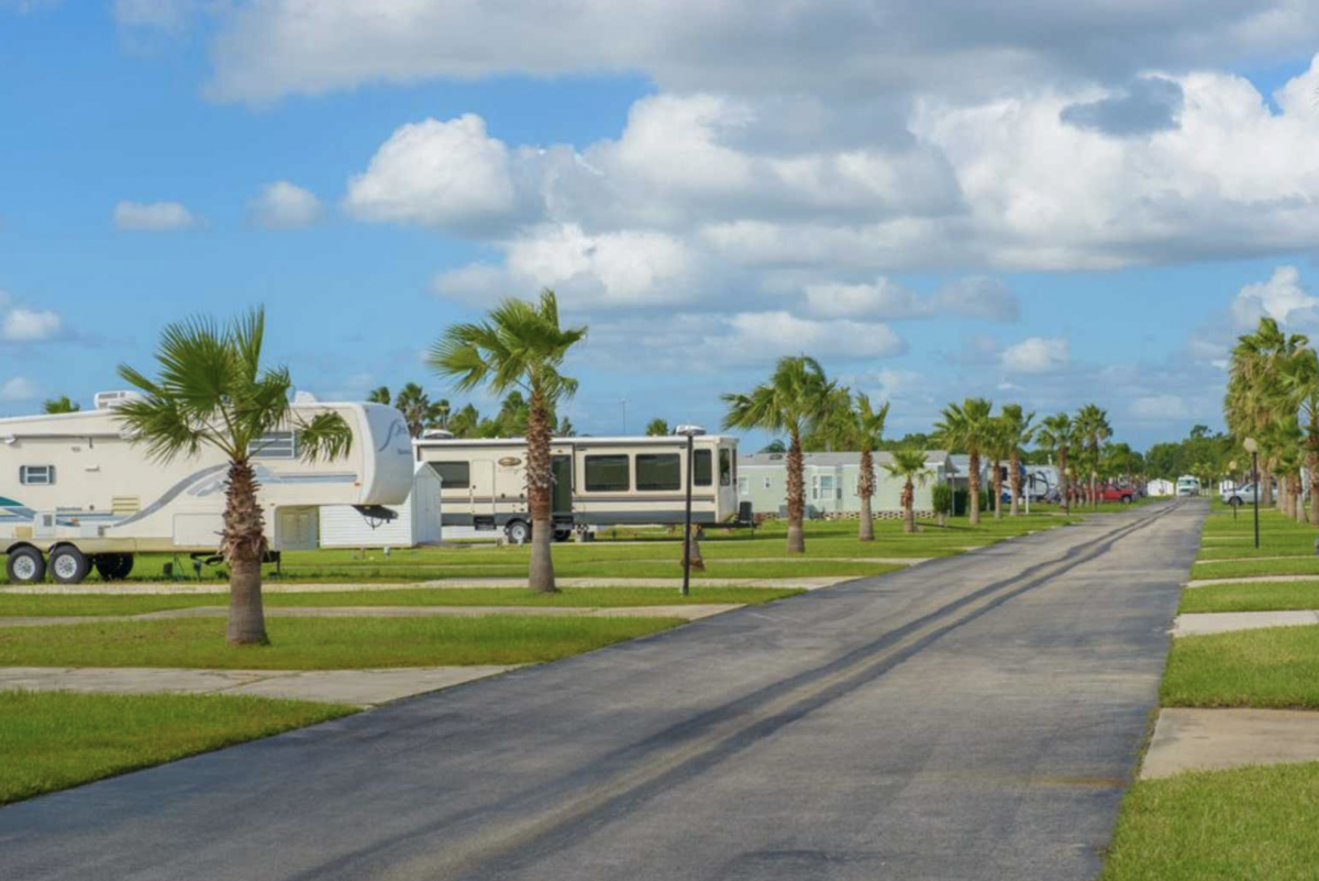 RV sites at Rainbow RV Resort (55+) in Frostproof, Florida